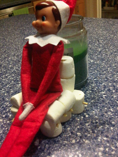 Elf on the shelf-marshmallow chair