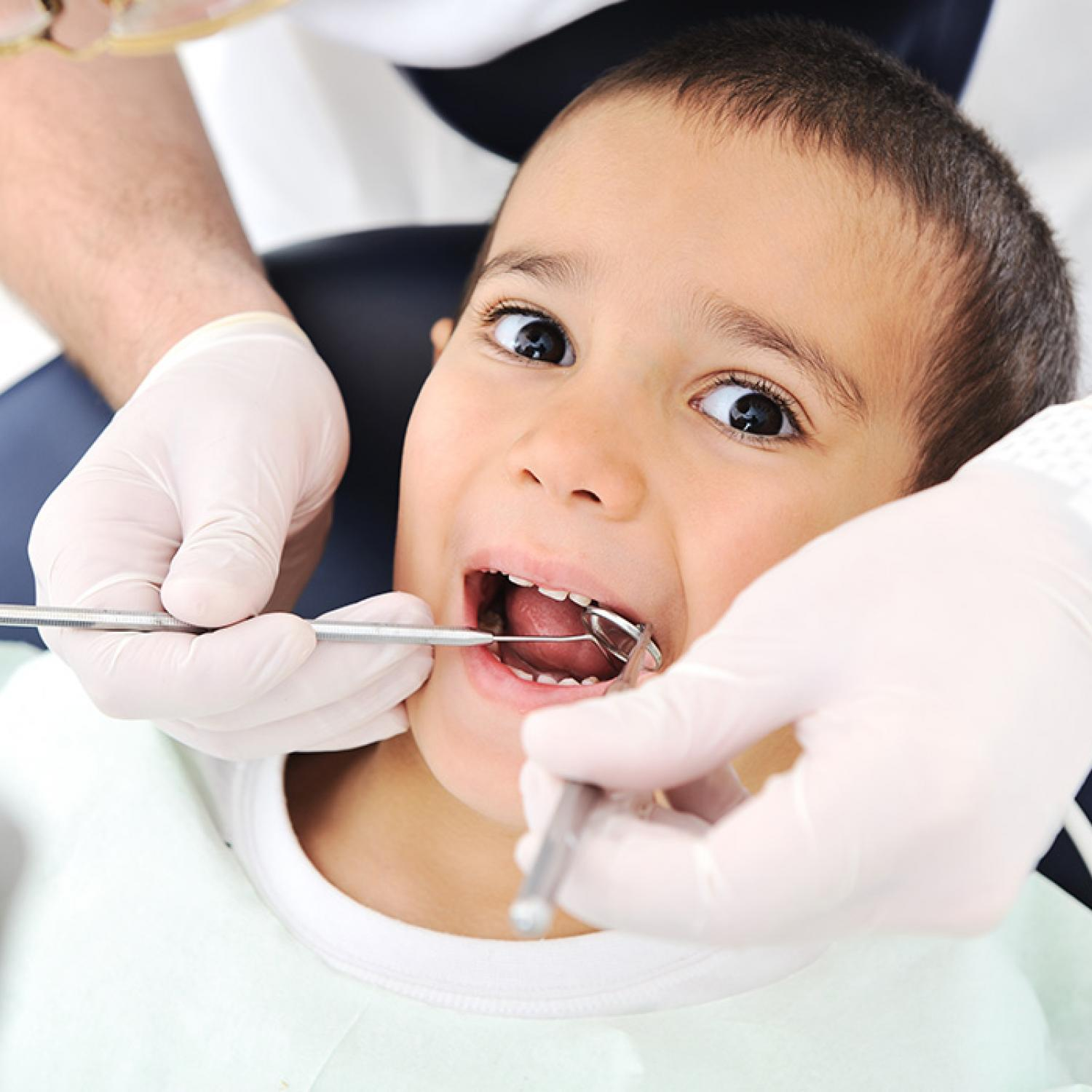 How To Keep Your Toddler Calm At The Dentist Parenting