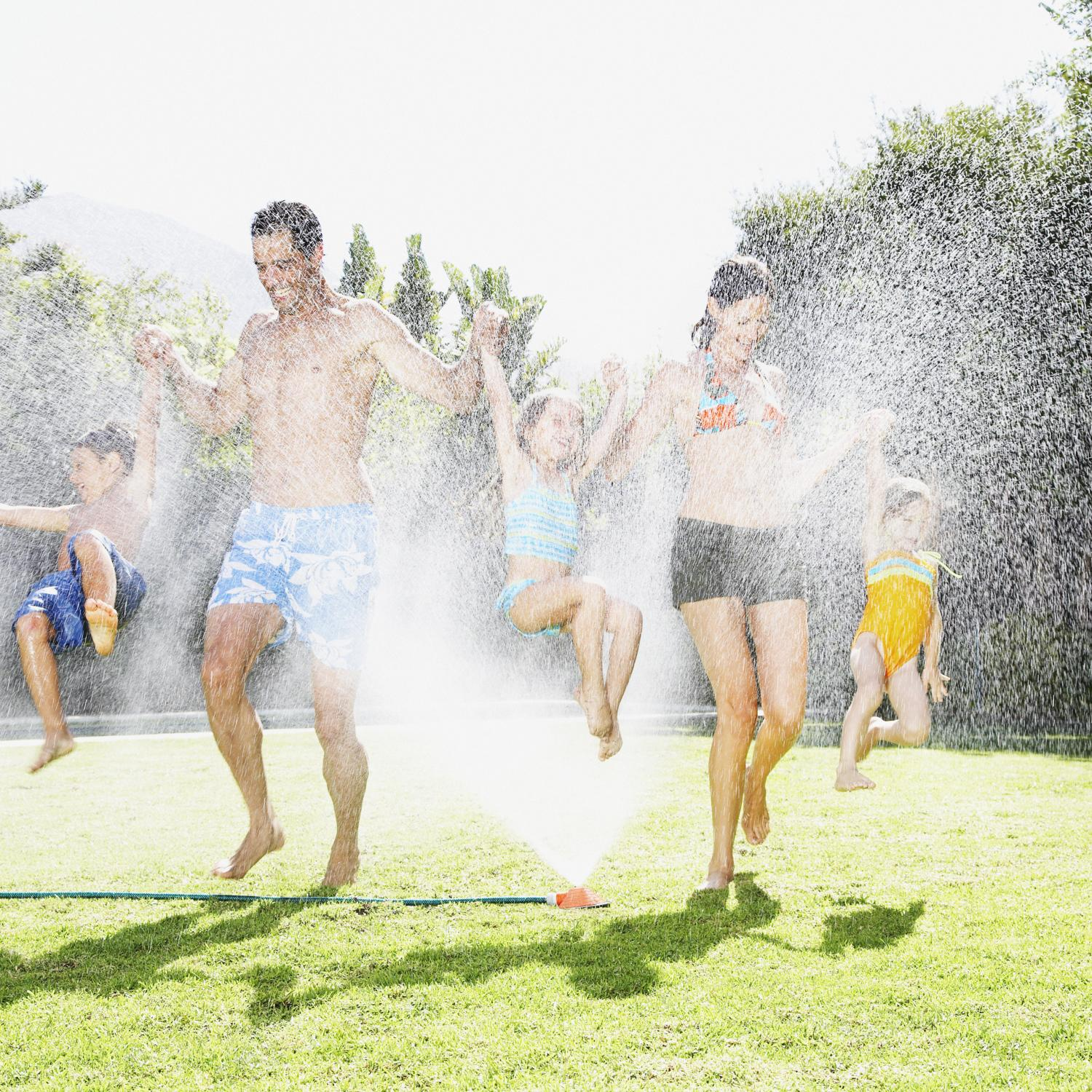 11 Water Games And Summer Activities For Kids Parenting