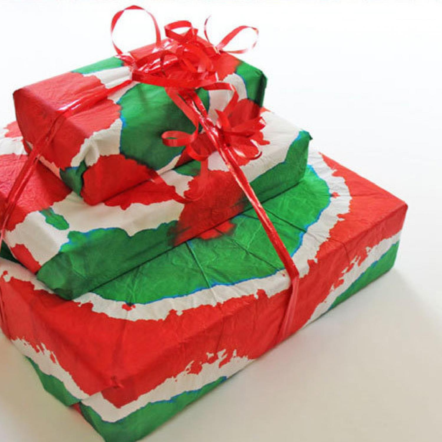 9 diy gift wrap ideas kids can help you make parenting for Christmas craft gift ideas for kids