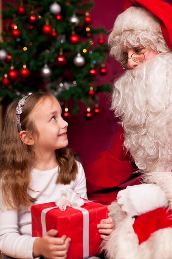 Kids Banned From Sitting On Santa S Lap Parenting
