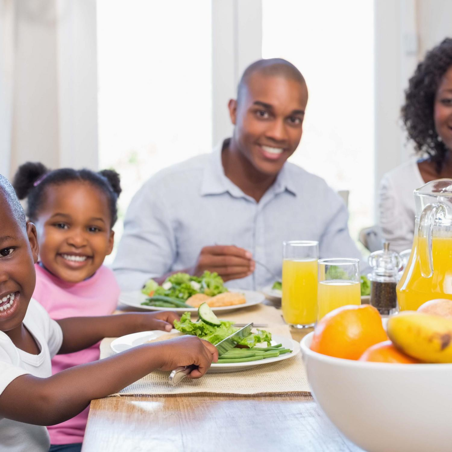 7 Reasons to Eat Family Dinner Together | Parenting