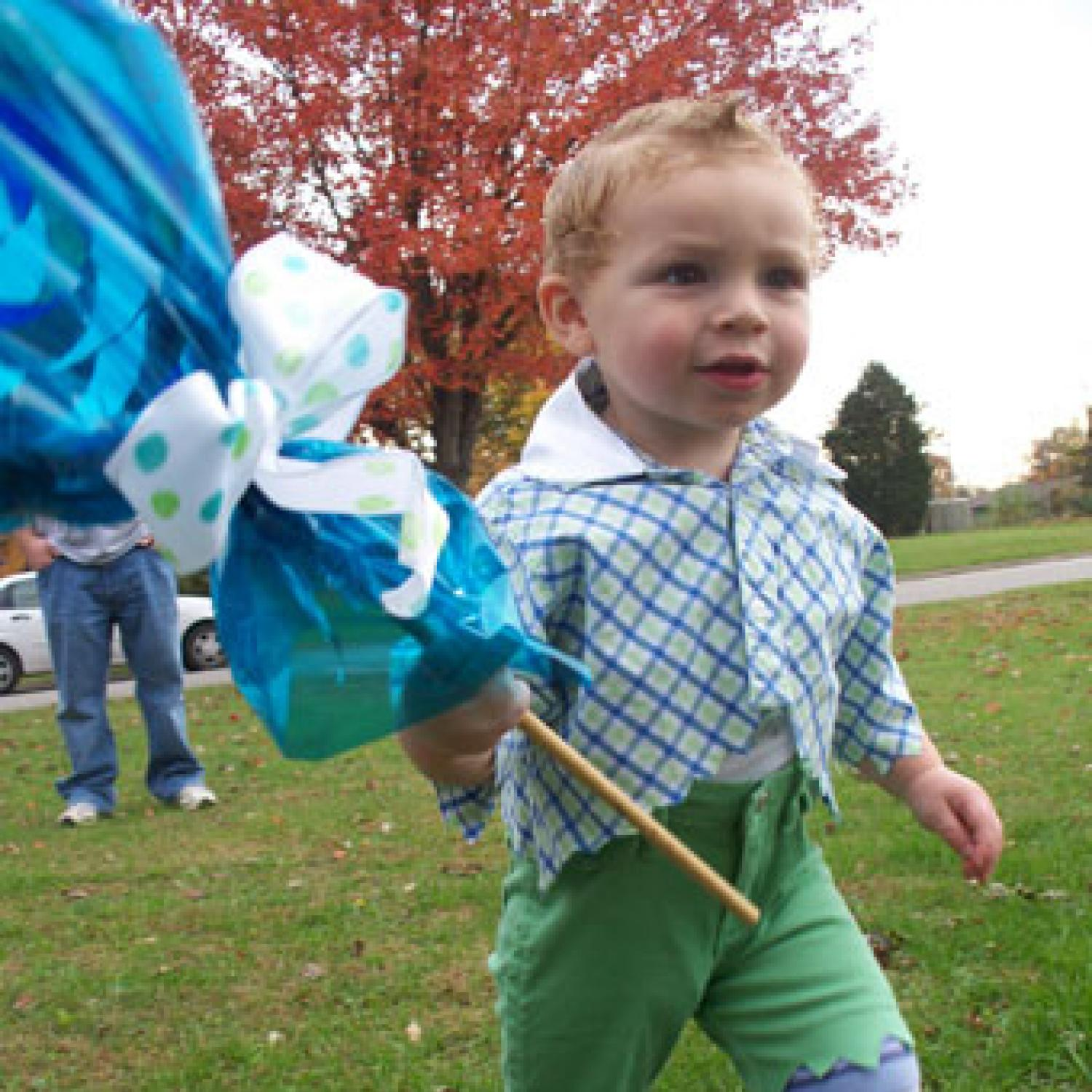 costume of the day the wizard of ozs lollipop guild parenting