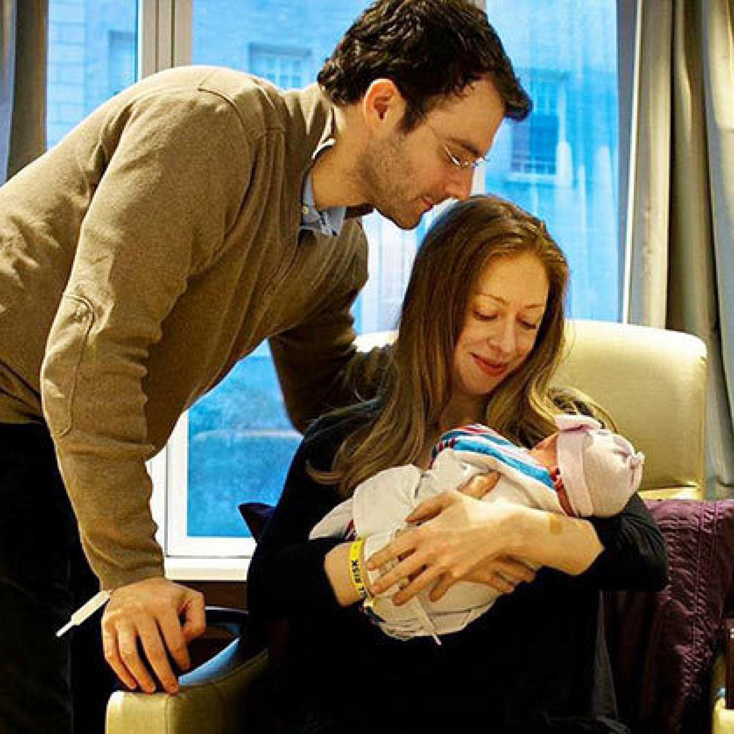 Celebrities give birth abroad 14