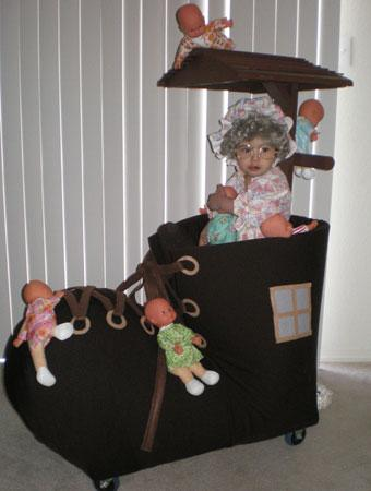 75 cute homemade toddler halloween costume ideas parenting she is dressed as the old lady who lived in a shoe had so many kids she didnt know what to do this was the perfect costume solutioingenieria Images