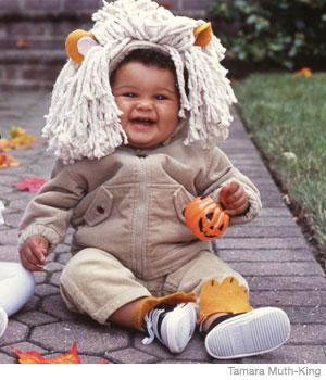 20 easy homemade halloween costumes for babies parenting tamara muth king lion costume solutioingenieria Gallery