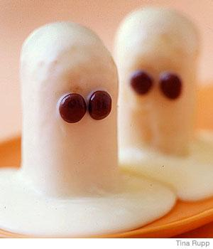 Easy Halloween Recipes White Chocolate Twinkie Ghosts