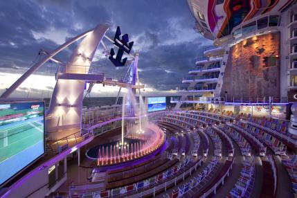 Ship: Allure of the Seas and Oasis of the Seas