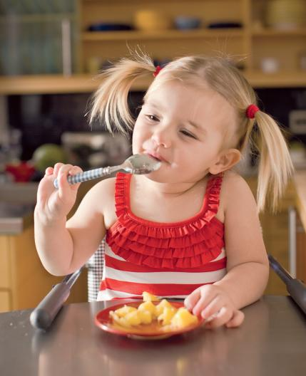 homemade baby food recipes girl eating peaches jpg