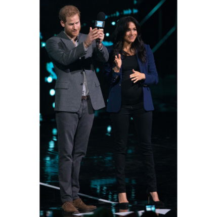 Meghan Markle Maternity Blazer and Jeans