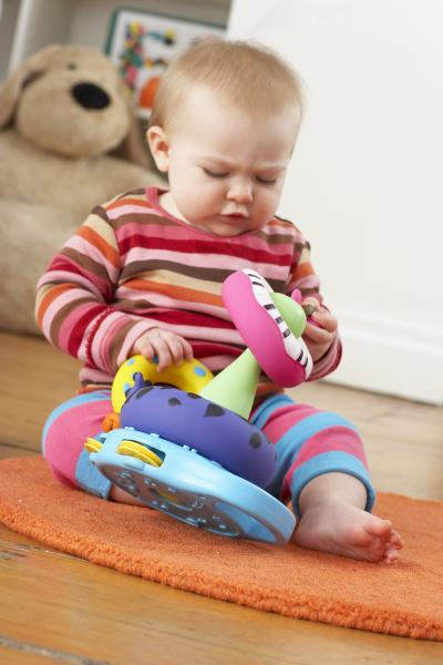 Guide To Choosing Baby Toys : Baby toy buying guide parenting