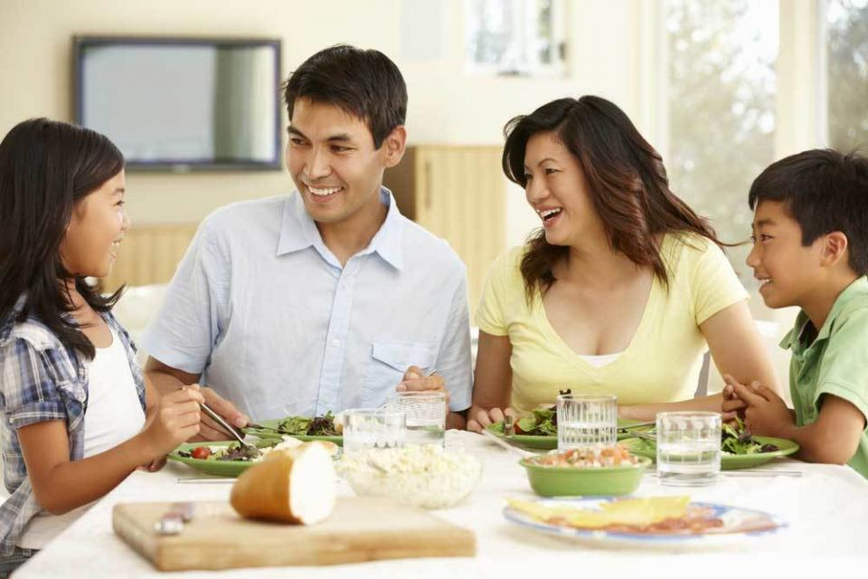 Ordinaire 5 Ways To Get Your Family Around The Dinner Table Again