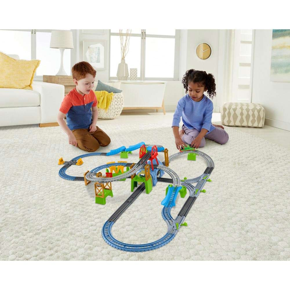 Thomas & Friends Trackmaster Percy 6–in-1 Motorized Engine Set